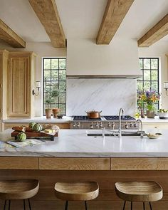 Wood and marble: A match made in heaven. (📷: @jallsopp| Design: Jeremy Corkern and Thomas Paul Bates) #HBloveskitchens #kitchendesign #homesweethome #kitchentrends