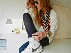 Ray Ban Sunglasses, SinéQuanone Foulard, American Apparel T Shirt, Cheap Monday Jeans, Nike Basket, Zadig Montre