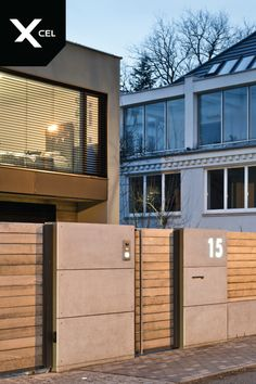 Find home projects from professionals for ideas & inspiration. Wood and Concrete. Nowoczesne ogrodzenie z betonu architektonicznego by XCEL Fence Fence Design, Garden Design, House Design, Wooden Gates, Front Fence, Modern Fence, Facade House, Home Decor Accessories, Home Projects