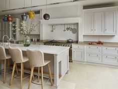 Our luxury kitchens can be seen in our inspirational kitchen showroom in north London. Visit our Muswell Hill showroom and speak with our design experts. Bespoke Kitchens, Luxury Kitchens, Martin Moore Kitchens, Kitchen Showroom, Everyday Dishes, Handmade Kitchens, North London, Kitchen Design, Kitchen Ideas