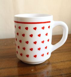 retro Hearts Arcopal Mug, 70s 80s kitsch vintage cup