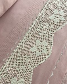 Embroidery, Rugs, Diy, Crochet Lace Edging, Crochet Curtains, Crochet Stitches, Crocheting Patterns, Crochet Edgings, Hand Embroidery