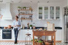 Uma cozinha parisiense, com ares de campo em um apartamento........