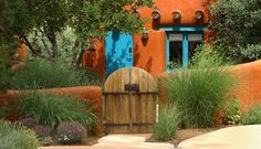 No Sign-in required to view all Adobe Homes in Santa Fe. Santa Fe Real Estate provides the most current list of homes for sale in Santa Fe. Southwestern Home, Southwest Decor, Southwest Style, Southwestern Paintings, Exterior Paint, Exterior Design, Exterior Doors, Style Hacienda, New Mexico Style