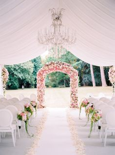 Your Jaw Will Drop When You See This Flower-Filled Paris Wedding Parisian Wedding, French Wedding, Mod Wedding, Dream Wedding, Wedding Colors, Wedding Flowers, Purple Wedding, Wedding Dresses, Floral Wedding