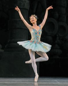 Prologue: Fairy of the Crystal Fountain (Yuhui Choe) . Photo Dave Morgan.