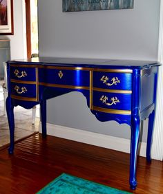 MakeMePrettyAgain: Custom Colors on a Vanity-Modern Masters Painted Vanity, Blue Dresser, Modern Masters, Trash To Treasure, Room Accessories, Milk Paint, Guest Bedrooms, Metallic Paint, Custom Paint