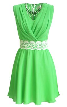 Green V Neck Sleeveless Lace Pleated Chiffon Dress - Sheinside.com