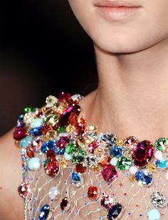 Always sparkle, Jenny Packham Couture Details, Fashion Details, Col Crochet, Lesage, Jenny Packham, Jewel Tones, Mode Style, Beaded Embroidery, Bling Bling