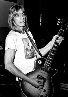 images about Mick Ronson Me And Mrs Jones, Ian Hunter, Mott The Hoople, Mick Ronson, Love Band, Thing 1, Ziggy Stardust, Music Film, Music Photo