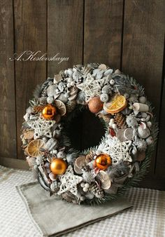 Christmas And New Year, Winter Christmas, Christmas Home, Christmas Wreaths, Christmas Crafts, Cute Christmas Decorations, Christmas Centerpieces, Wreath Crafts, Diy And Crafts