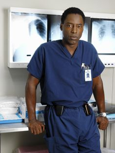 Former cast member Isaiah Washington is coming back to Grey's Anatomy. The actor was one of Seattle Grace's originals doctors, but was fired from the Shonda Isaiah Washington, Greys Anatomy Season 2, Greys Anatomy Facts, Grey's Anatomy, Preston Burke, Miranda Bailey, Greys Anatomy Characters, Sarah Drew, Owen Hunt