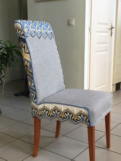 Ancienne chaise relookée avec une housse en tricotant Tricot D'art, Plexiglass, Accent Chairs, Dining Chairs, Furniture, Home Decor, Slipcovers, Chair, Upholstered Chairs