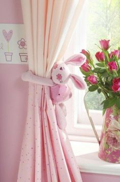 rideaux voilage enfant rose pour la chambre bebe fille