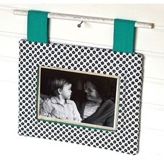 This frame is super simple but so pretty. Almost my family photos are taken by the very talented @jenny__stein.  She captures beautiful moments! This pattern to be released soon! #gingercakepatterns