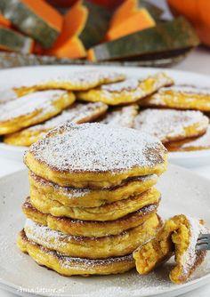 Placki z dyni | AniaGotuje.pl Polish Desserts, Polish Recipes, Vegan Recipes, Vegan Food, Bagel, Camembert Cheese, Hamburger, Pancakes, Bread