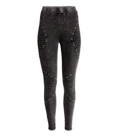 Black washed out. Leggings in stretch cotton jersey with an elasticized waistband and decorative, quilted details.