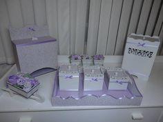 Kit Higiene  composto por 5 peças. Todos os itens em MDF revestidos com tecido 100% algodão e acabamentos  com fitas de cetim. Perfeito para  decorar o quarto do seu bebê. R$ 313,60