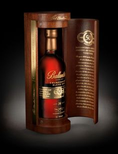 Luxury pack for Ballantine's Championship Blend a Scotch whisky blended specially for the anniversary of the first Ballantine's golf tournament. Smoked Whiskey, Scotch Whiskey, Best Sparkling Wine, Spirit Drink, Blended Whisky, Wine And Spirits, Alcohol Spirits, Spiritus, Crystal Glassware
