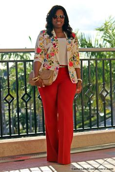 Curves and Confidence Floral Blazer Curvy Girl Fashion, Work Fashion, Plus Size Fashion, Fashion Outfits, Fashion Scarves, Fashion Styles, Fashion Fashion, Fashion Tips, Fashion Trends