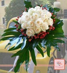 Il fiore di oggi: la rosa bianca  www.fioreriasarmeola.com