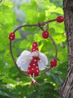 a mushroom fairy on Etsy Mushroom Crafts, Felt Mushroom, Felt Fairy, Baby Fairy, Fairy Templates, Fairy Clothes, Fairy Furniture, Fairy Jewelry, Fairy Doors