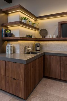 Kitchen Room Design, Modern Kitchen Design, Home Decor Kitchen, Rustic Kitchen, Interior Design Kitchen, Home Design, Walnut Kitchen, Small Modern Kitchens, Contemporary Modern Kitchens