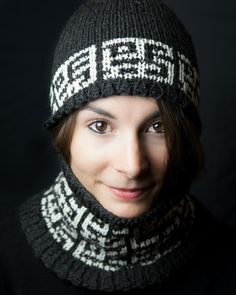 Loom Knit Mosaic Hat and Cowl Pattern Set by This Moment is Good...