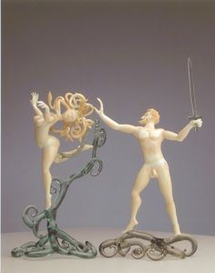 Perseo and Medusa, glass sculpture by Lucio Bubacco