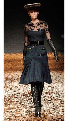 tartan + lace + chain = GUILTY!! Love -> McQ A/W '12 Show 17/35