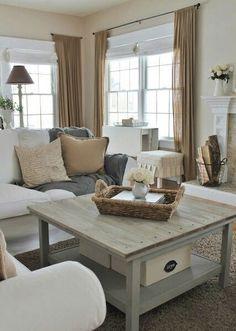 Lumineux, vivant, bel espace. Bon mélange des tons, belle table centrale.