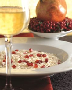 Risotto con le melagrane Risotto, New Years Eve Weddings, Perfect Party, Vegetarian Recipes, Oatmeal, Vegan, Meals, Breakfast, Healthy