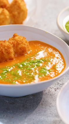 Tomato Recipes Happiness is deep-fried balls of cheese, floating in a bowl of warm creamy soup. - Happiness is deep-fried balls of cheese, floating in a bowl of warm creamy soup. Soup Recipes, Vegetarian Recipes, Chicken Recipes, Dinner Recipes, Cooking Recipes, Healthy Recipes, Healthy Soup, I Love Food, Good Food