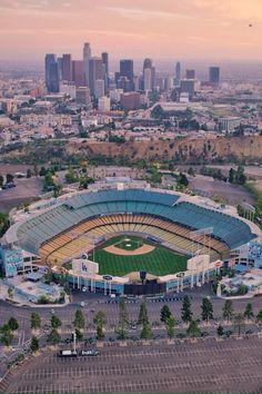I love this stadium. Dodger stadium in Los Angeles Baseball Park, Dodgers Baseball, Baseball Field, Baseball Signs, Baseball Quotes, Sports Stadium, Dodger Stadium, Sports Teams, Los Angeles Dodgers Stadium