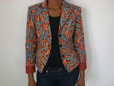 Veste                                                                                                                                                                                 Plus African Tops, African Dresses For Women, African Attire, African Wear, African Women, African Fashion Ankara, African Inspired Fashion, African Print Fashion, Africa Fashion