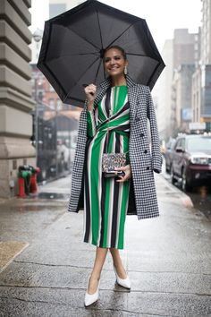 STYLECASTER | St. Patrick's Day Outfits | Street style influencer wearing green outfit