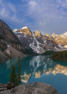 Moraine Lake and Valley of Ten Peaks, Banff National Park, Alberta, canada -
