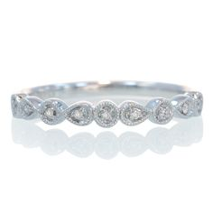 *Favorite* - Antique diamond stackable band wedding ring (Pair with solitaire cushion)