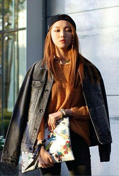Lee Sung Kyung. #streetstyle