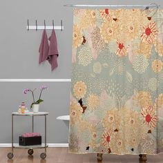 Bedeck the decor of your bathroom with bold patterns and bring home this Creme De La Creme Polyester Shower Curtain. Fashioned with retro and contemporary accents, the shower curtain will add a splash o Traditional Shower Curtains, Modern Shower Curtains, Farmhouse Shower Curtain, Cabin Bathrooms, Contemporary Shower, Types Of Curtains, Shower Rod, Big Shower, White Shower