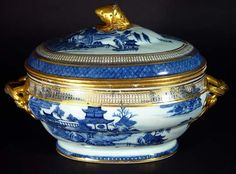 A Chinese Export Blue & White Soup Tureen & Cover wirh English Gilt Decoration, Circa 1790-1800