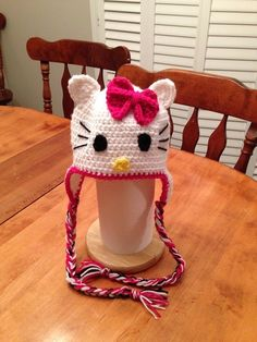 Hello Kitty inspired ear flap hat Love Crochet, Crochet Hats, Hello Kitty Crochet, Mermaid Blanket, Stitch, Flap Hat, Inspiration, Ear, Inspired