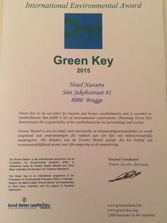 Hotel Navarra Brugge bekroond met de Green Key Award 2015  Het hotel werd beloond voor zijn inzet om op een milieuvriendelijke manier te ondernemen.  De #Groene_Sleutel is een internationaal ecolabel erkend in 41 landen. Wereldwijd zijn er reeds ca. 2.500 #Green_Key hotels.  Deze award wordt jaarlijks toegekend na een onafhankelijke controle op basis van strenge beoordelingscriteria.  http://www.green-key.org/ http://www.groenesleutel.be/ http://www.hotelnavarra.com/nl/index.html