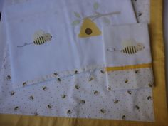Enxoval de bebe - manta com babeiro e fralda de ombro Confeccionado por Maete Atelier, contato atraves do e-mail teresi@globo.com