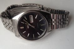 ON AUCTION ON WEDNESDAY 23 SEPTEMBER FROM 8pm.....MENS VINTAGE SEIKO AUTOMATIC 5 DAY DATE 6309-8840 STAINLESS STEEL CALENDAR WATCH.