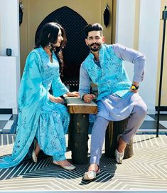 👑👑 Punjabi Couple, Punjabi Wedding Couple, Indian Wedding Couple Photography, Couple Photography Poses, Clothing Photography, Indian Wedding Outfits, Bridal Outfits, Couple Wedding Dress, Wedding Couple Photos