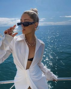 Summer Vacation Outfits, Travel Outfit Summer, Vacation Style, Travel Attire, Summer Campaign, Summer Looks, Style Summer, Grunge Fashion, Summer Collection