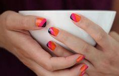 Diseños de uñas con rayas y colores, diseño de uñas con tres rayas.  Unete al CLUB #manicuras #decoratednails #uñassencillas