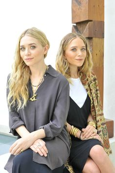 Mary-Kate & Ashley Olsen Open The Row's First Flagship Store in NYC The fashion design duo is opening their first Mary Kate Ashley, Ashley Olsen Style, Olsen Twins Style, Fashion News, Boho Fashion, Fashion Beauty, Rupaul, Olsen Fashion, Moda Boho