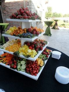 Fruit Party Platters Veggie Display 62 Ideas For 2019 Party Platters, Food Platters, Party Trays, Party Food Buffet, Meat Platter, Veggie Display, Veggie Tray, Appetizer Table Display, Vegetable Platters